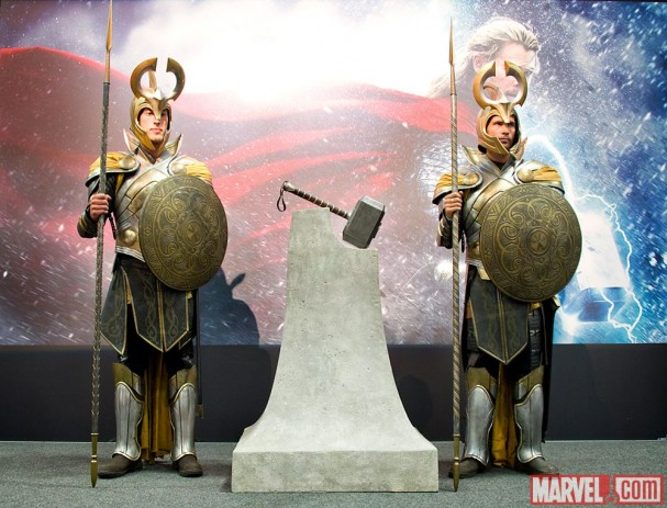 Thor: The Dark World - Thor's Hammer, Mjolnir, with Asgardian Guards