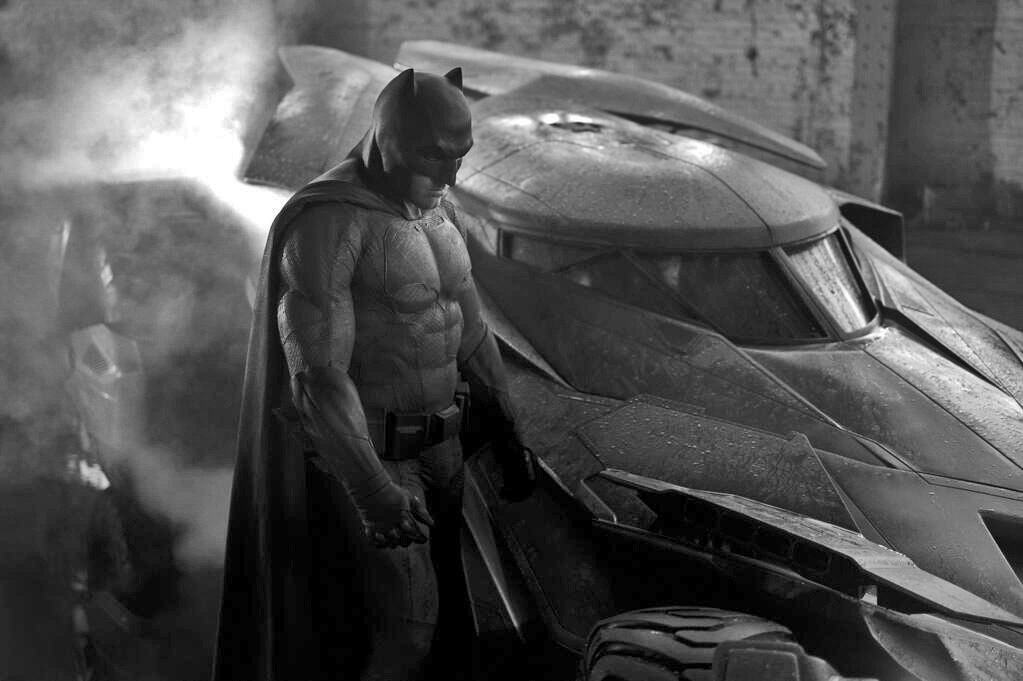 Zack Snyder reveals first look at Batman and the Batmobile ...