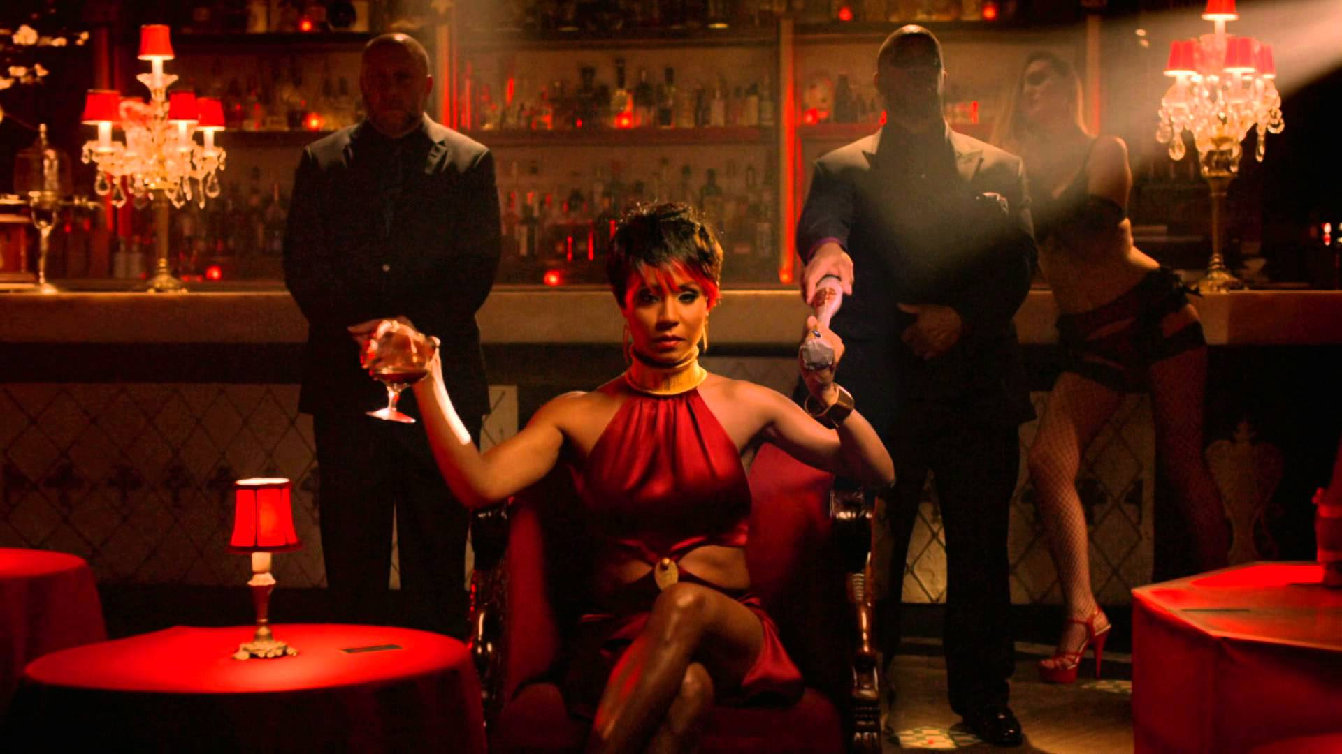 Tv review gotham season 1 behind the panels for Who is fish mooney